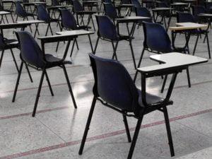 Sala egzaminacyjna - Terminy egzaminu gimnazjalnego i maturalnego w 2017 roku