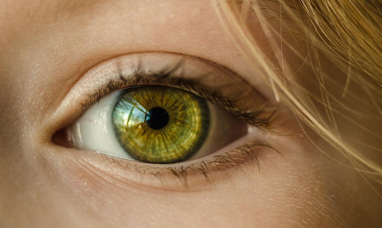 Część twarzy dziecka - oko.