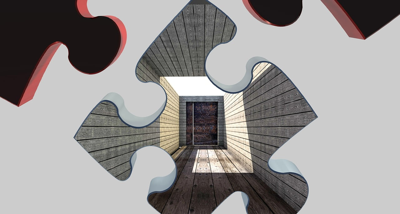 Puzzle, na drugim planie drzwi