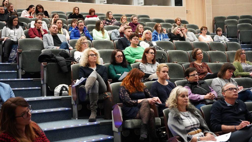 Uczestnicy seminarium w auli Uniwersytetu Rzeszowskiego
